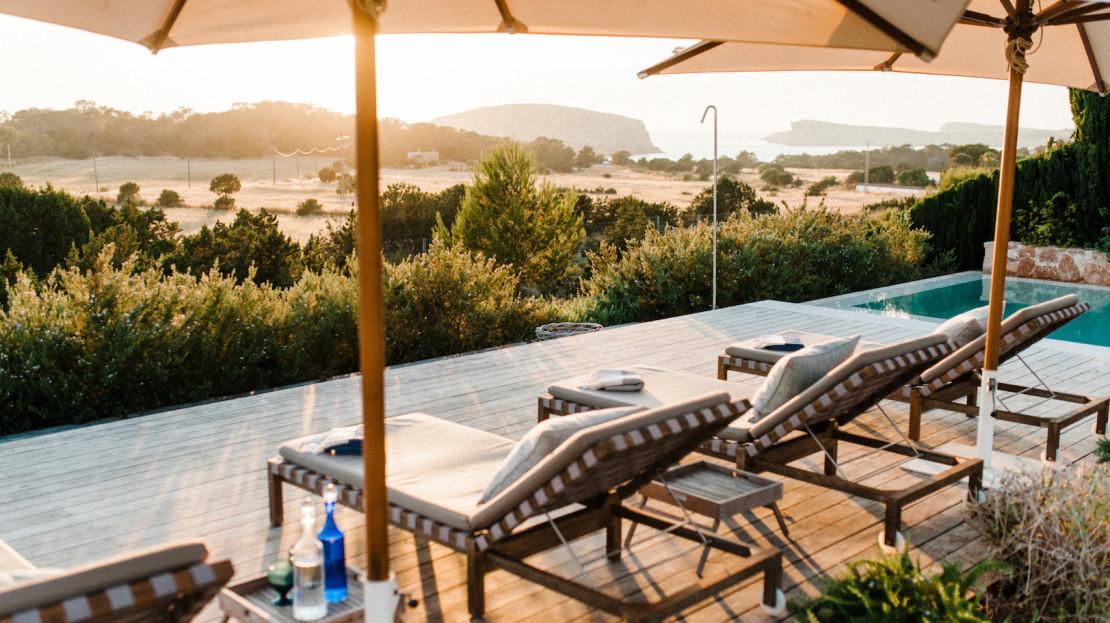 Luxury villa rental with sea views, sunset