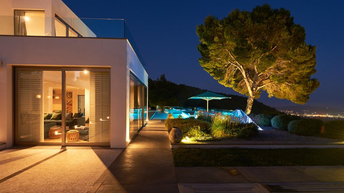Exclusive Villa rentals Collection