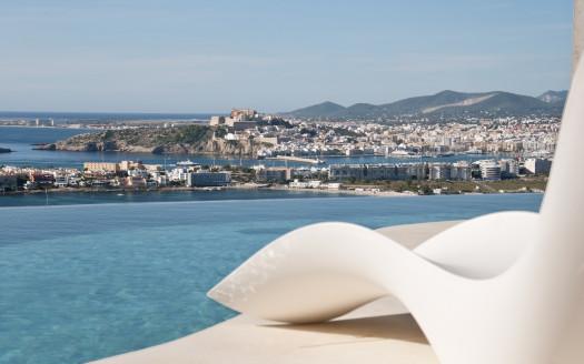 Villa de lujo en Cap Pep Simo, estilo moderno con magníficas vistas al mar
