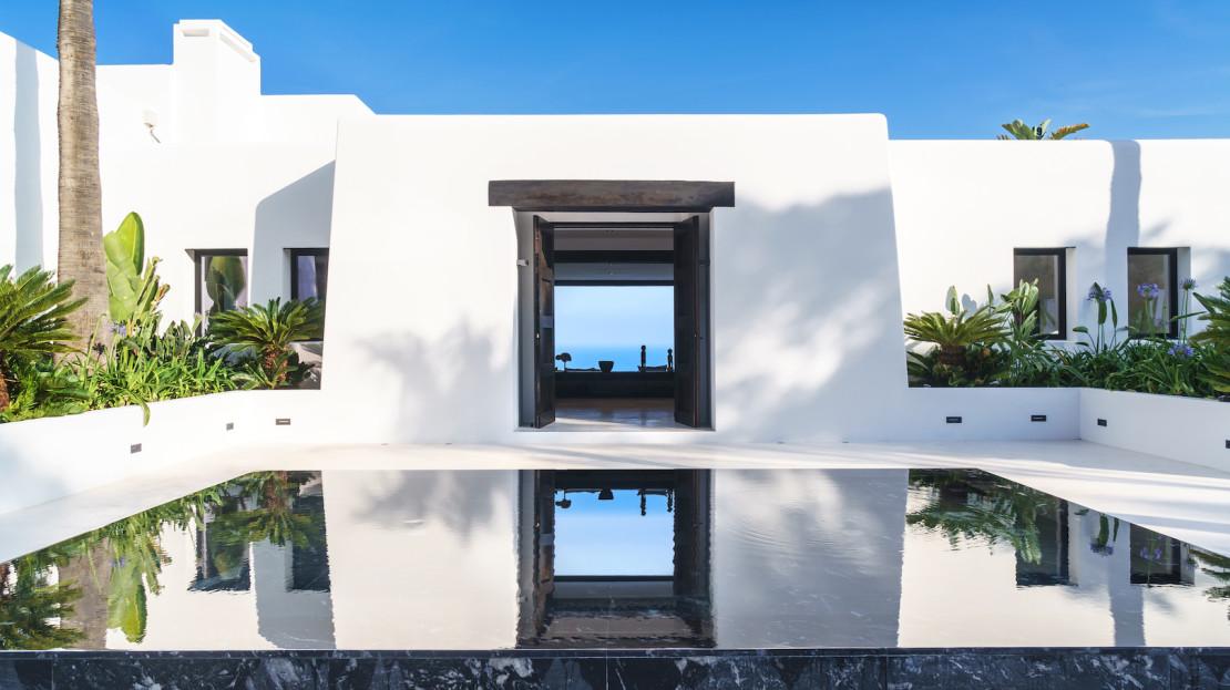 Luxury mansion 5minutes drive Marina Botafoch