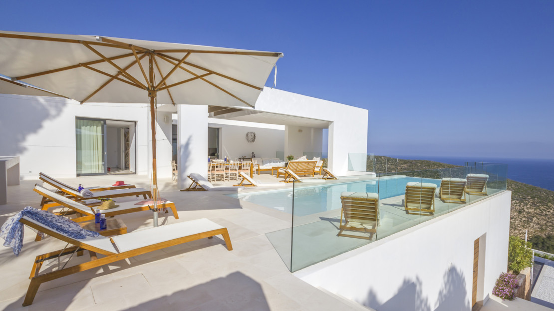 Private property, 24hrs security, 10mins away from Ibiza to rent this summer