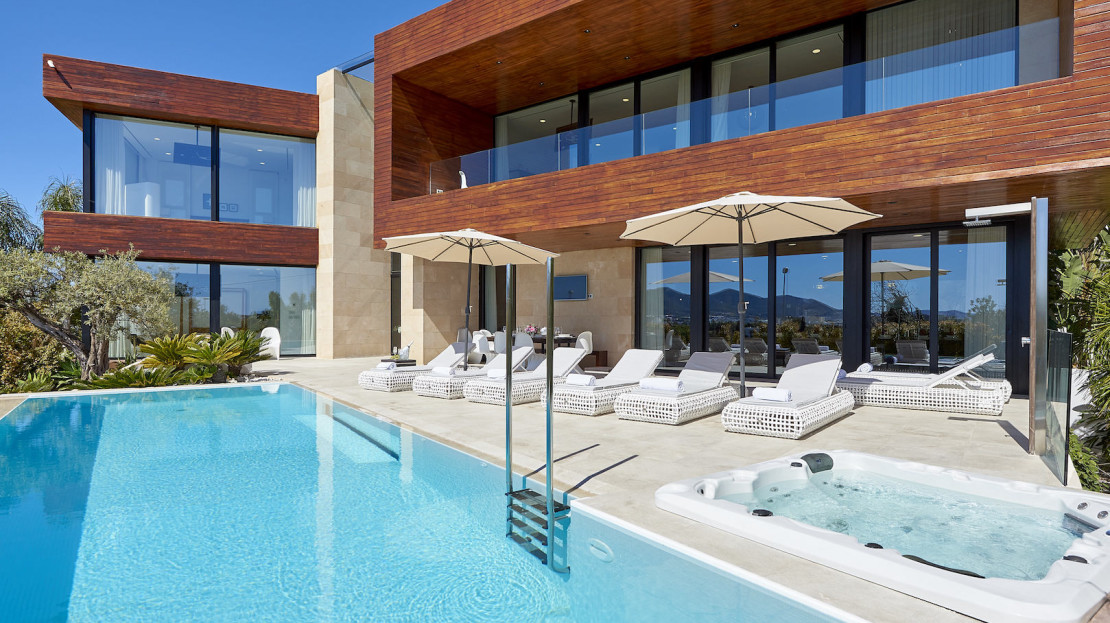 Modern villa available to rent in Ibiza