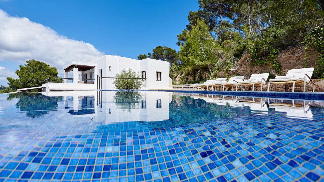 Villa de estilo Mediterráneo, 6 hab, con privacidad, en alquiler en Es Cubells, Ibiza